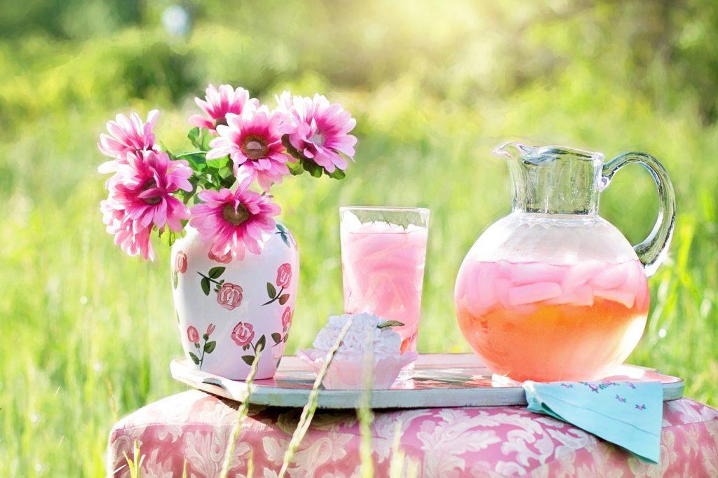 Pink Lemonade Princess Party Drinks